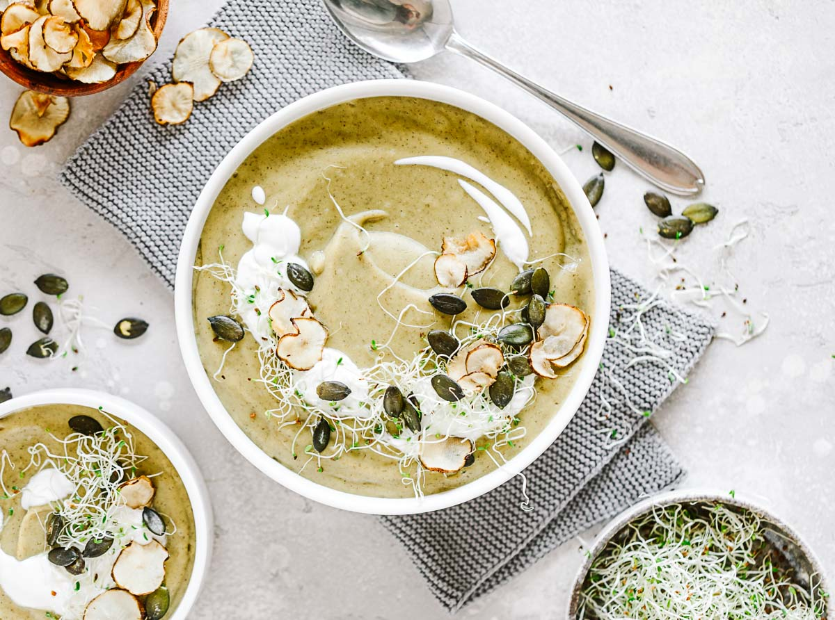Topinambur Suppe mit Alfalfa Sprossen