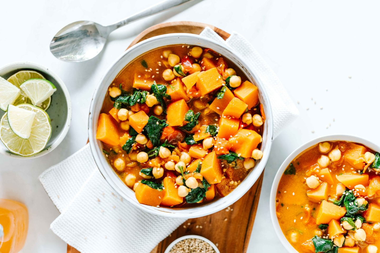 Süßkartoffel Curry mit Kichererbsen Sprossen